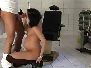 esposa grávida fodida pelo médico