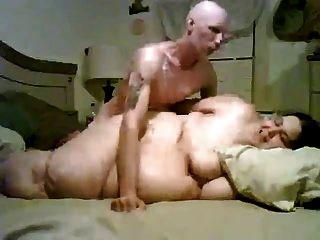 bbw gorda e chata sugando e fodendo seu namorado magro