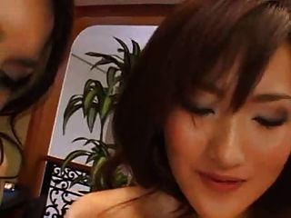 maria ozawa em uma ótima cena lésbica