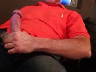 str8 daddy jerking assistindo pornografia