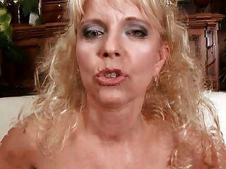 mãe loira merilyn suga e foda