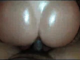 Grande torneira redonda gola preta.