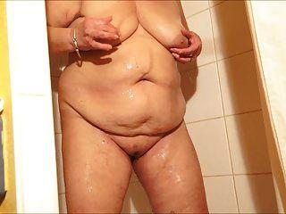 brenda no banho