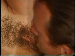keisha morena e busty pega sua boceta peluda fodida e facial