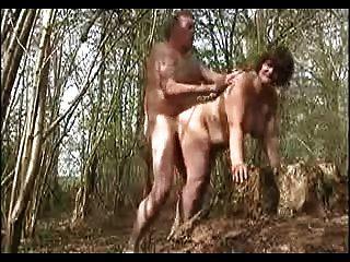 minha esposa fodida na floresta