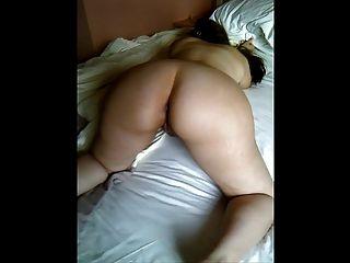 minha esposa brasileira curvilínea, corpo macio e pálido, machucado e maltratado