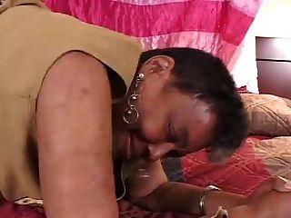 Ebony granny sugue e foda jovem bbc