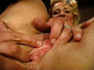 beate dumas une mature se fait enculer devant son mari