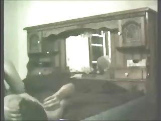 colega da esposa andando com um galo e engolindo uma carga de cum