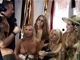 Jovens judeus durante o show de sexo