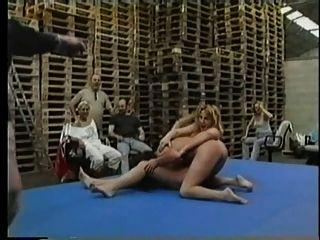 lésbica nua lésbica wrestling pt2