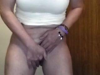 brincando com a vagina no trabalho