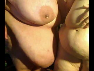 Lésbicas bbw gordas e gordas brincando um com o outro p4