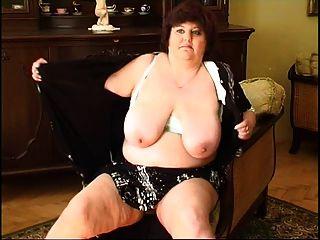 gorda madrugadora masturbando 2