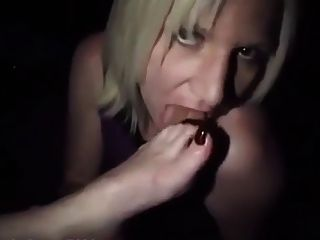 pés de adoração de escravos lésbicas na festa do clube