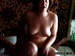 esposa foda com o marido sentado no peito