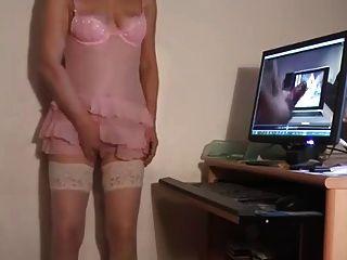 masturbando enquanto assiste pornografia 4