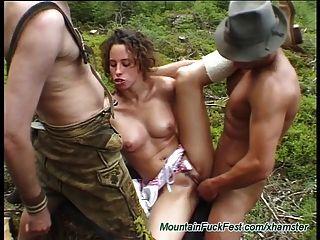 trio muito duro alemão nas montanhas