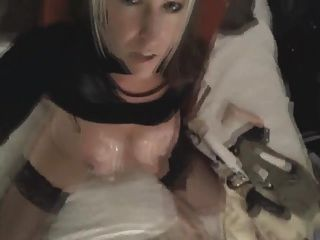 busty blonde rides consolador até o orgasmo na webcam