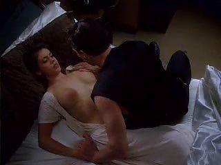 alyssa milano em abraço do vampiro