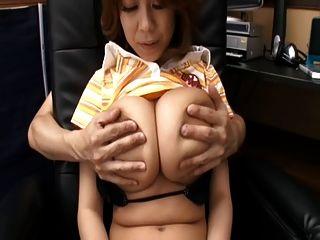 Rin kajika faz um cara cum entre seus peitos