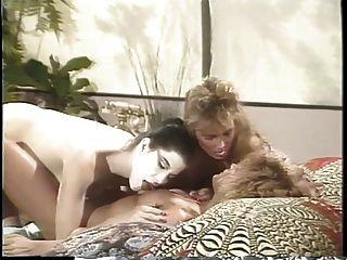 erica boyer tendo um trio lésbico com duas namoradas na cama