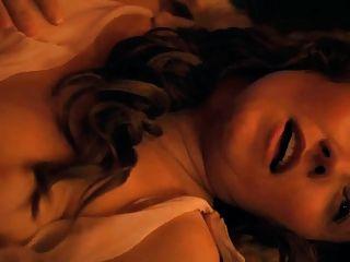 xena atriz jaime murray topless threesome em spartacus
