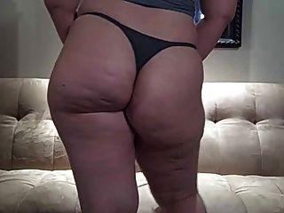 big butt em tanga cinza