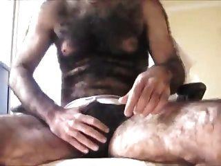 homens super peludos