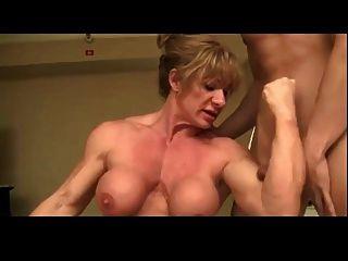 o homem ama a dominação das mulheres musculares bvr