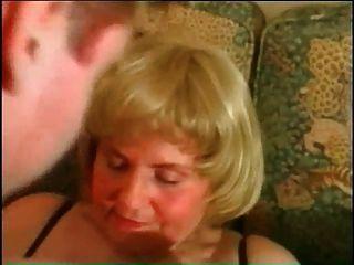 meus piercings sexy bbw madura avó com anéis de bichano perfurado