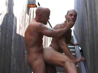 mm bareback fucking e cumming na bunda!