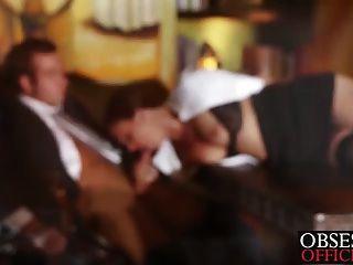 Hothead ruivo foda seu chefe na mesa