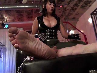 tortura torta de torção e tortura de atriz asiática quente