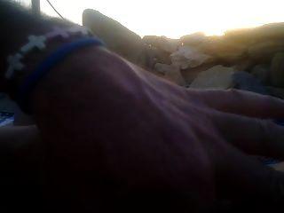 um handjob para mim na praia ao pôr do sol