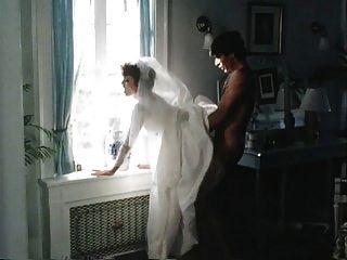 Alimentação da cobra antes do bolo de casamento
