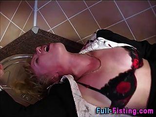 puta blusa anal fisting