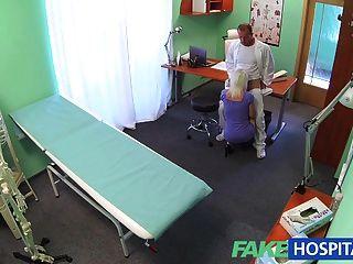 Fakehospital sexy excitante loira milf quer médicos cum dentro