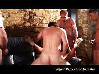 Voyeur papy in extreme pervers orgy