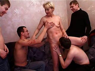 Irina e 4 rapazes 3