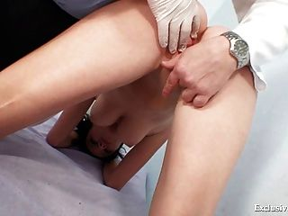 bicho raro raro perverso exame médico ginecológica