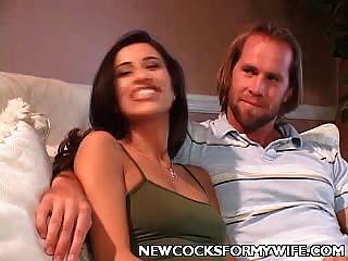 jovem esposa traindo seu marido