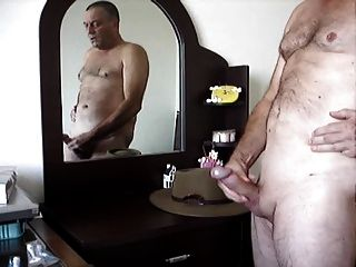 masturbando na frente do espelho e cum