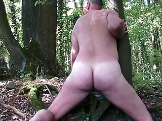 Exercício fúnebre loverboy na selva