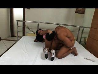 monica santiago tomando no cu