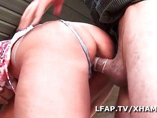 maduro francaise sodomisee dans un gangbang avec papy