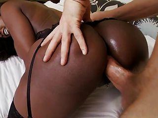 mulher negra ama galo branco
