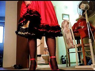 sissy ray upskirt 9 vestindo 5 polegadas sapatos vermelhos