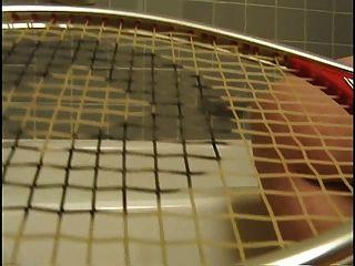 delena amanhecer 3 masturbando com uma raquete de tênis