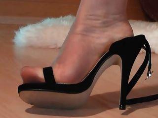 pés de nylon ultra fino em sandália